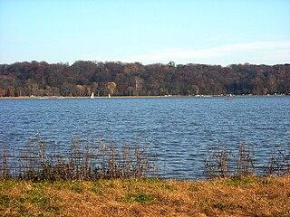 Creve Coeur Lake Memorial Park