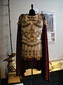 "Debbie Reynolds Auction - Costume worn by Richard Burton in ""Cleopatra"" (1963) (5851596391) (2).jpg"