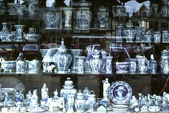 Delftware - Window display of Delftware in the market place, Delft
