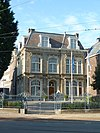 foto van Aan drie zijden vrijstaande villa, gebouwd in de stijl van de Um 1800-Bewegung