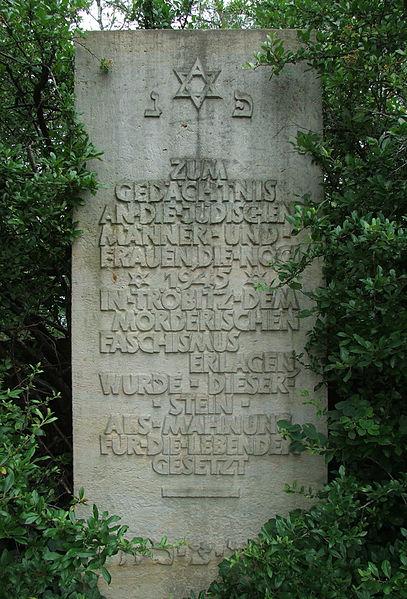 File:Denkmal auf jüdischem Friedhof Tröbitz.jpg