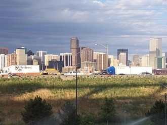 Interstate 25 in Colorado - I-25 during rush hour in the largest city I-25 serves, Denver, looking East toward Downtown Denver.