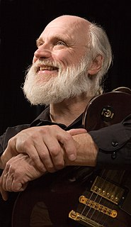 Duke Tumatoe American blues guitarist and singer