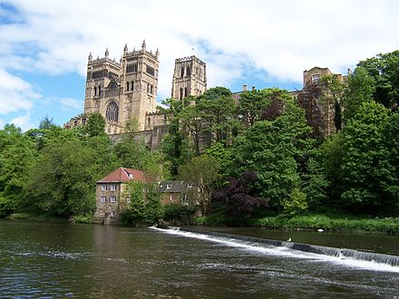 The Old Fulling Mill, original home of the University Museum in 1833, on the bank of the River Wear below Durham Cathedral Durham Kathedrale.jpg
