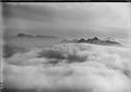 ETH-BIB-Piz Scopi, Piz Medel, Tödi, Wolkenmeer v. S. W. aus 3500 m-Inlandflüge-LBS MH01-003370.tif