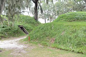 Fort McAllister - Image: Earth works at Fort Mc Allister, GA, US