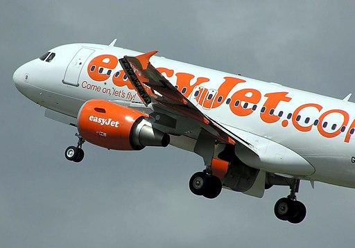 Easyjet.takeoff.closeup.300506.arp