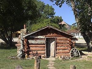 Tropic, Utah - Image: Ebenezer Bryce Cabin Tropic UT