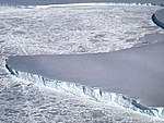 Edge of Venable Ice Shelf (26376304768).jpg