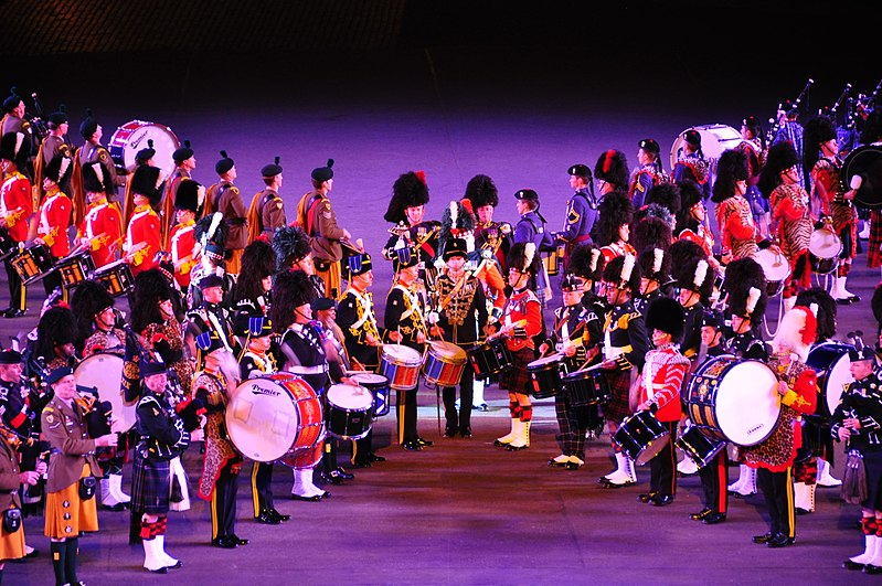 File:Edinburgh Tattoo 2010 (4945619813).jpg