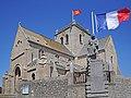 Eglise de Barfleur dans le val de Saire.jpg