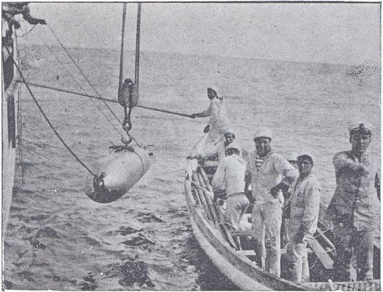 File:Ejercicios de torpedos en el crucero 'Uruguay'.jpg