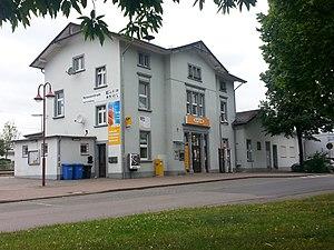 Empfangsgebäude mit Reisezentrum