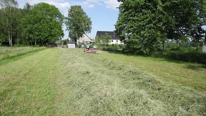 File:Ernten von Heu in Sachsen..2H1A2092.webm