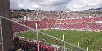 Estadio Garcilaso lleno de hinchas de Cienciano.jpg