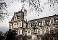 Estatua ecuestre de Étienne Marcel junto al Hôtel de Ville (Municipalidad) de París (26518679393).jpg
