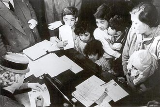 Eva Perón Foundation - Evita working in the Foundation