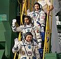 Expedition 61 Crew Wave Farewell (NHQ201909250003).jpg