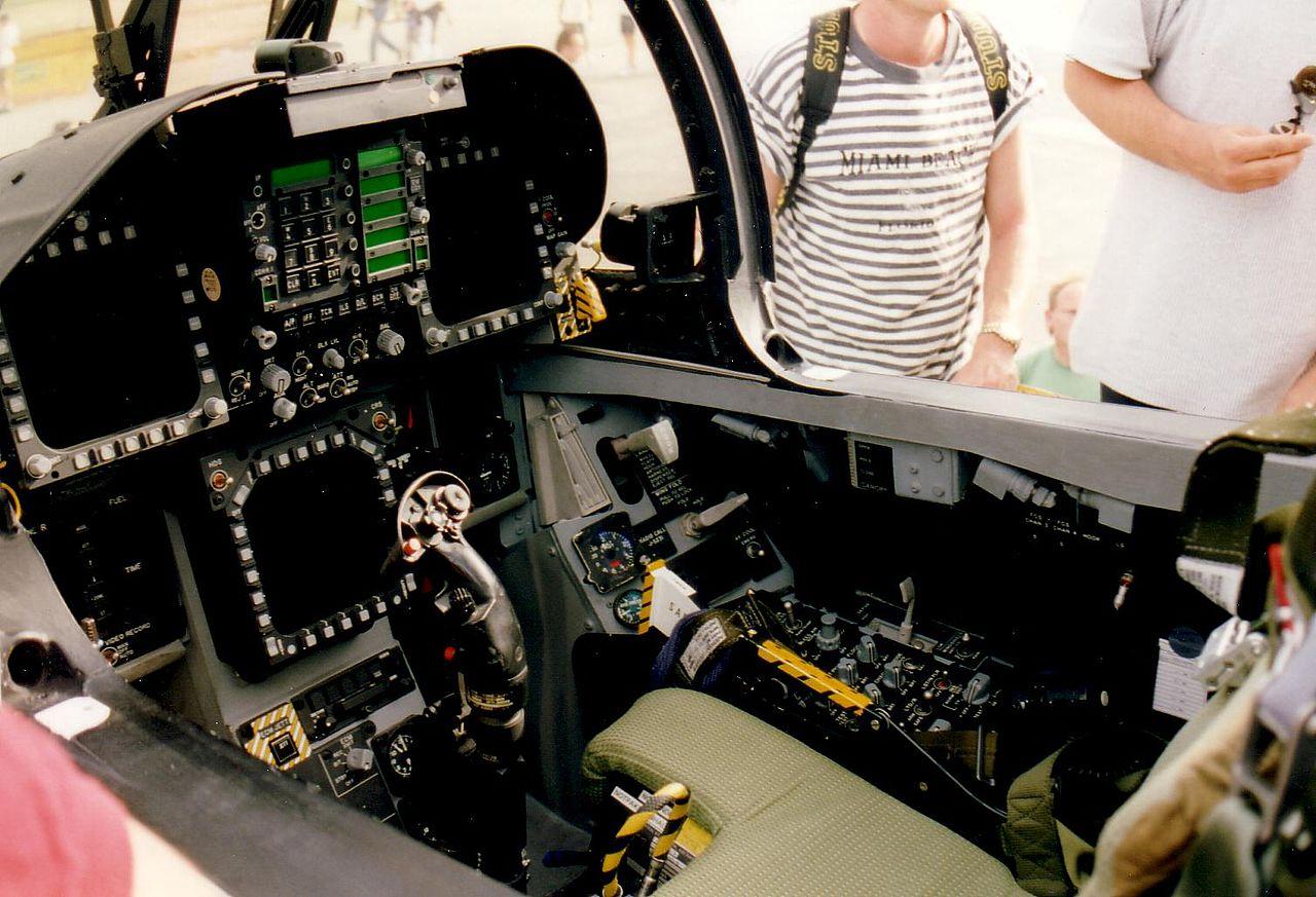 F 18 Cockpit File:F18 Cockpit.JPG -...