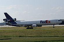 Fed-Ex MD-11 in decollo