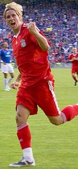 Fernando Torres esulta dopo aver segnato un gol nell'agosto 2008