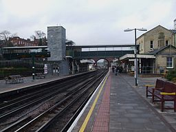 Finchley Central stn look north1