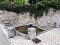 Fontaine - Saint-Étienne-de-Chigny.jpg