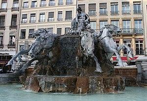 Fontaine Bartholdi - Image: Fontaine Bartholdi 4