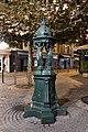Fontaine Wallace place du Général-Leclerc Suresnes 2.jpg