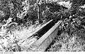 Fotothek df rp-e 0380086 Hochkirch-Sornßig. Ehem. Mühle, steinernes Gerinne zwischen Mühlteich und Mühle.jpg