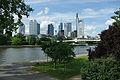 Frankfurt Main Skyline Holbeinsteg dk2475.jpg