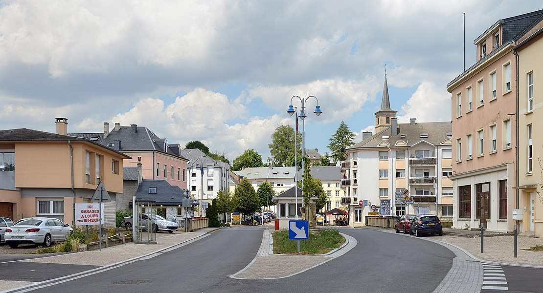 The frontier between France and Luxembourg: Mondorff and Mondorf-les-Bains.