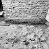 fundering bakstenen fundering van de eerste uitbreiding naar het westen van de tufstenen kerk onder de toren - batenburg - 20028302 - rce