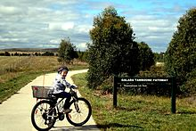 Galada Tamboore cycle path start at Craigieburn.jpg