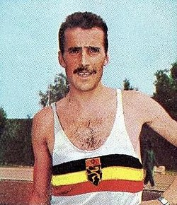 Gaston Roelants en 1964, champion olympique du 3 000m steeple à Tokyo.jpg