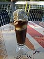 Glas Eiskaffee mit Sahne 2011.JPG