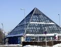 Glaspyramide u-bahn grosshadern.png