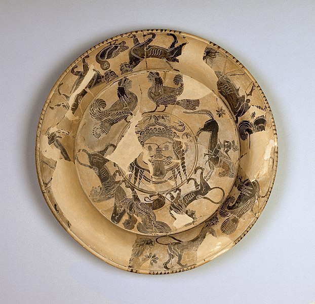 File:Gorgon Painter - Attic Black-Figure Plate with Gorgon's Head and Bands of Animals - Walters 48215.jpg