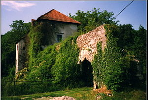 White Carniola - Ruins of Pobrežje Castle