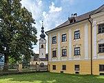 Grafenstein Pfarrkirche hl. Stefan und Schloss Teilansichten 26072018 4024.jpg