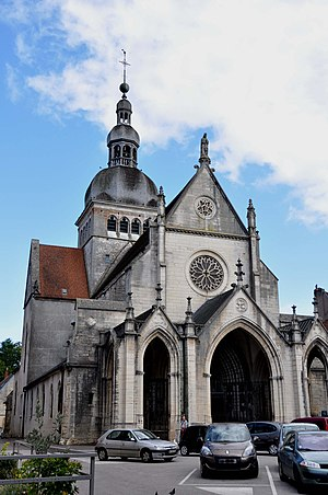 Gray, Haute-Saône - Image: Gray Basilique Notre Dame 02