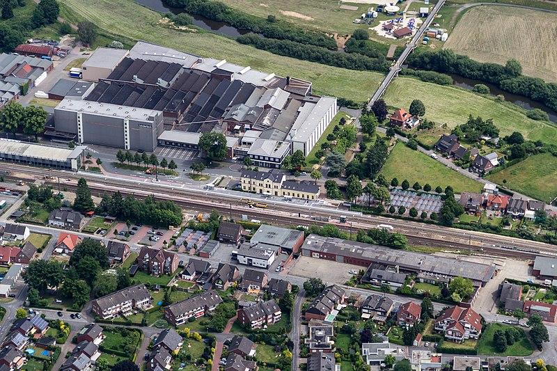 File:Greven, Bahnhof und Firma -Hermann Biederlack- -- 2014 -- 9859.jpg