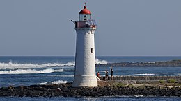 Griffiths Island Lighthouse (33419941062).jpg
