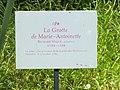 Grotte de Marie-Antoinette - Panneau d'information.jpg