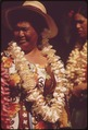 HAWAIIANS READY TO DEMONSTRATE HULA DANCE TO WAIKIKI BEACH TOURISTS - NARA - 553915.tif