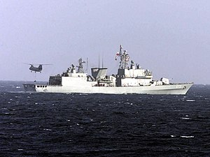 HC-5 HH-46D Sea Knight vertical replenishment of ROKS Yang Manchoon (DDH 973) Foal Eagle 2002 US Navy DN-SD-03-16841.jpg