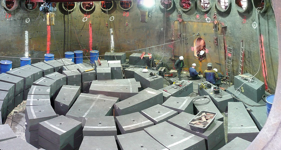 Carbon blocks in the blast furnace, during the last hearth relining of the blast furnace HF6 of Seraing, end 2007. Panorama created with Hugin from 5 pictures tken from a tuyere.