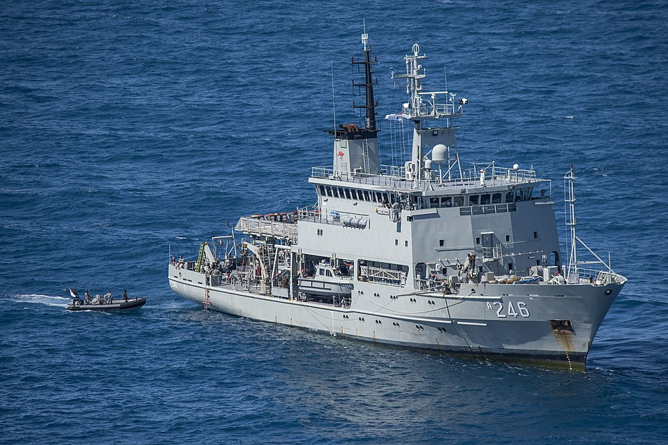HMAS Melville with CDT 1 in August 2017