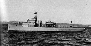 HMCS Cougar (Z15) beam.jpg