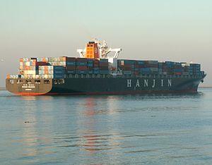 Hanjin Helsinki, leaving Port of Rotterdam, Holland 09-Jan-2006.jpg